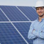 Como ganhar dinheiro com energia solar? Descubra aqui!
