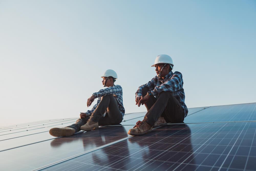 como ganhar dinheiro com energia solar sendo um instalador