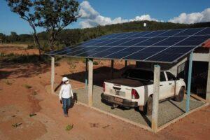 unidade-de-saude-em-aldeia-indigena-e-alimentada-por-energia-solar-off-grid