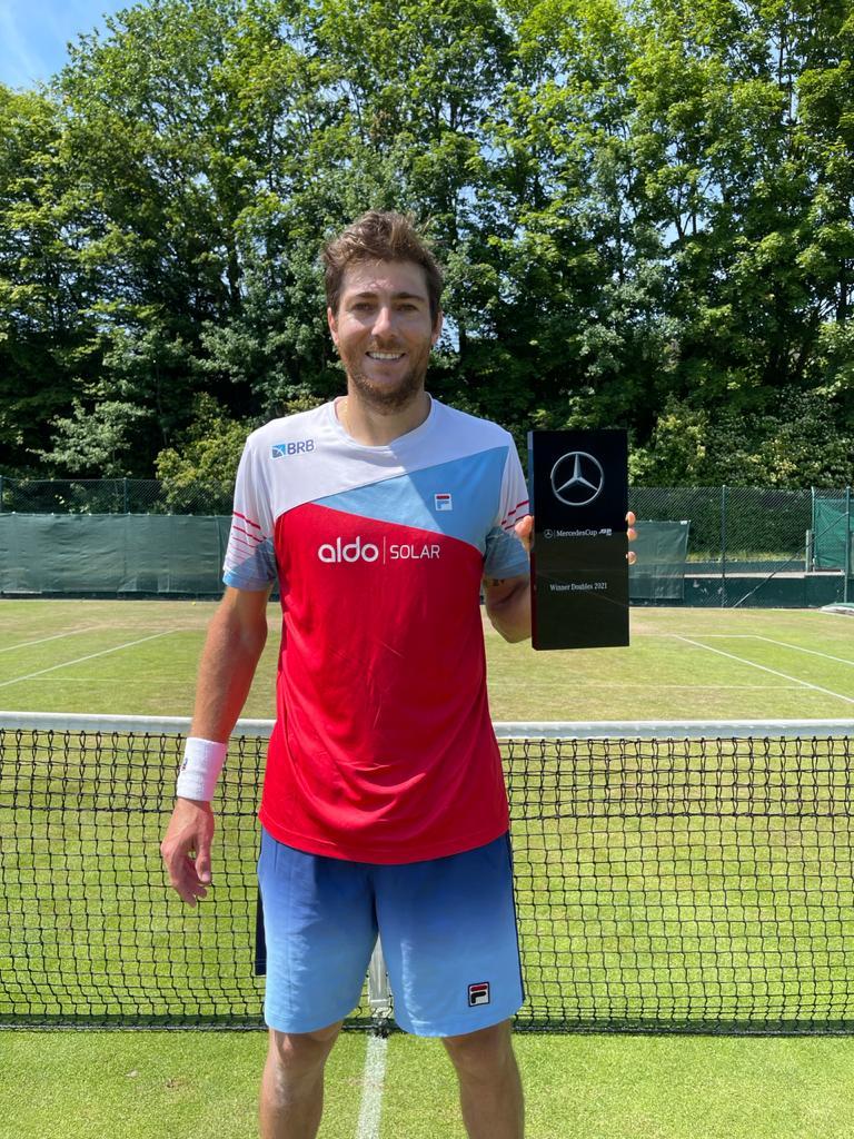 Marcelo Demoliner conquista título do ATP